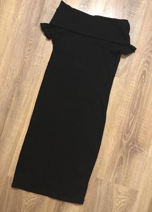 Трикотажное платье чулок с открытыми плечами