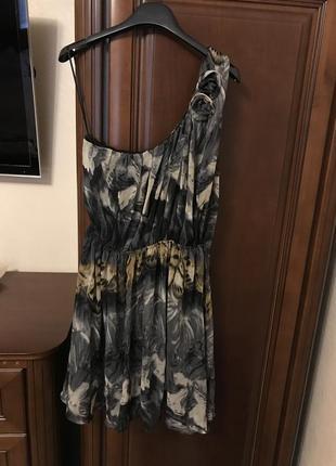 Красиве літнє плаття