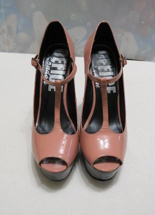 Лаковые бежевые  туфли с открытым носком office london
