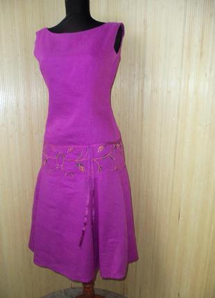 Льняное платье ниже колена  la roshelle