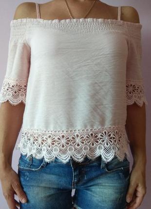 Блуза цвета пудры актуального фасона