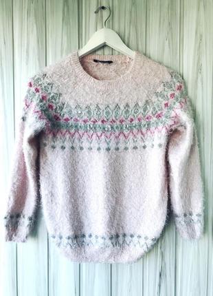 Маленький пушистый свитер