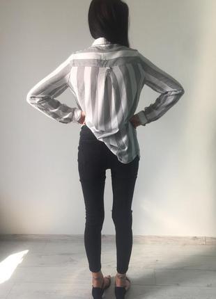 Стильная рубашка на заклепки в полоску