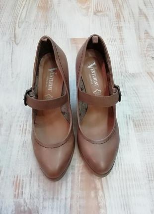 Итальянские кожаные туфли на танкетке/ стелька 24 см