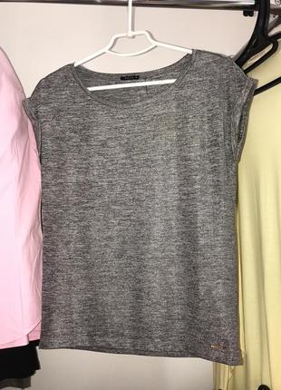 Серебристая футболка с люрексом