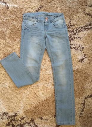 Стильные синие джинсы с царапинами promod распродажа остатков!