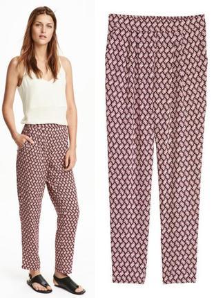 Легкие брюки на резинке,легкие щауженные летние брюки в орнамент,брюки из вискозы h&m s