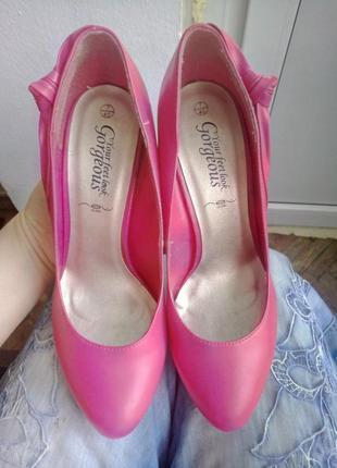 Туфли-лодочки от new look