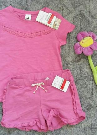 Яркий розовый костюмчик для девочки, футболка и шортики