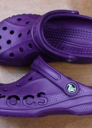 Crocs- р- м5 w7.