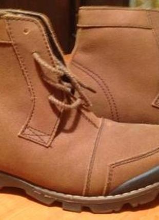 Женские демисезонные ботинки, размер 38-39.