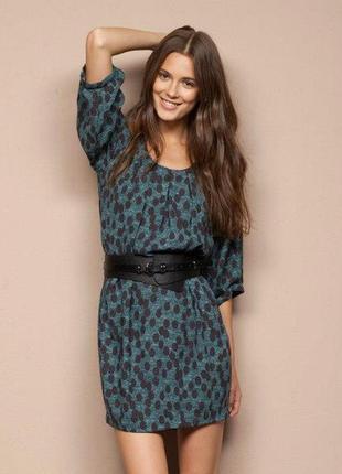 Платье итальянского бренда motivi с чёрным широким поясом