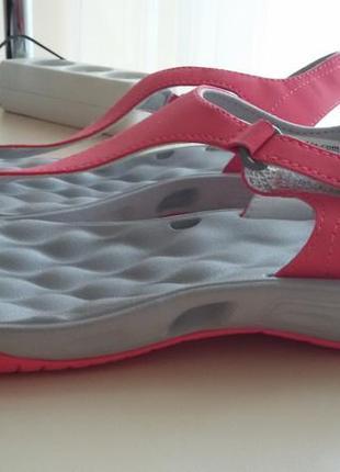 Спортивные сандалии columbia