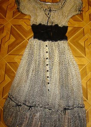Красивое платье lasagrada р.40