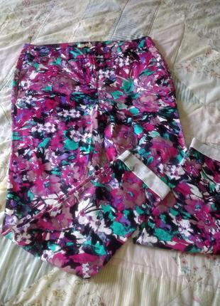 Сатиновые брюки в яркий принт love lable 12