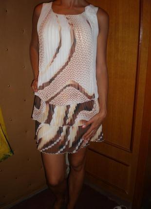 Шифоновое платье без рукавов,низ-гофре.