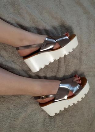 Трендовые сандали на платформе легкие удобные