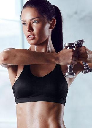 70b спортивный топ-бра с чашечками lightweight by victoria secret sport bra