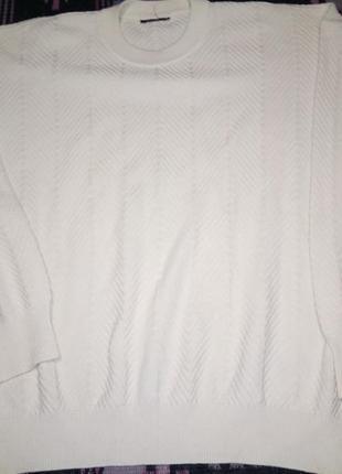 Симпатичный кремовый свитер большого размера.распродажа.