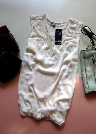 Нежнейшая блуза с кружевом kiabi