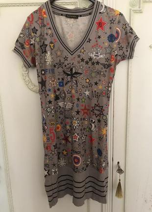 Модное короткое платье в стиле fendi!