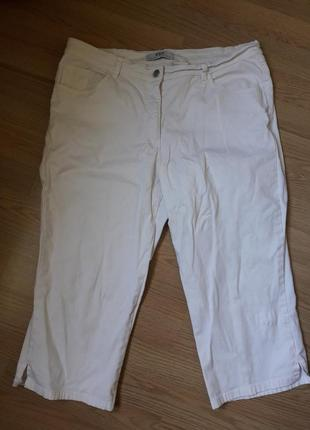 Белые джинсовые бриджи 50-52 рр
