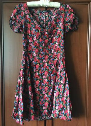 Милое платье в цветочек в цветы, из вискозы