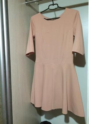 Коротка обідно-рожева сукня від cocomore