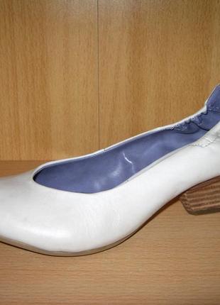 """Туфли на фигурном каблуке """"venturini"""", италия"""