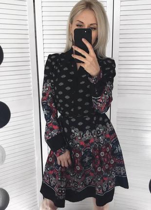 Стильне плаття-сорочка з візерунком