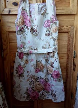 Нежное белое хлопковое платье