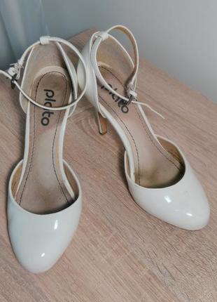 Лаковые туфли от plato