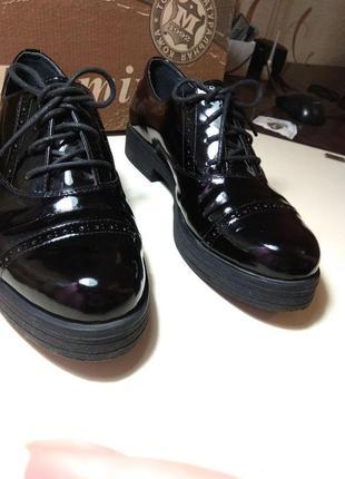 Черные лаковые туфли (mida)