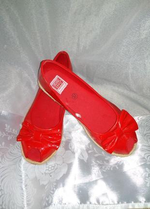 Красные лаковые балетки gioseppo 36-37 размер
