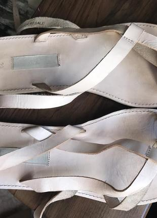 Кожаные сандалии на завязках