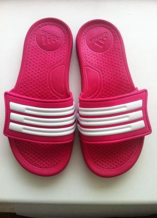 Стильные вьетнамки , шлепанцы adidas размер 32 по стельке 19,5 см оригинал !!!