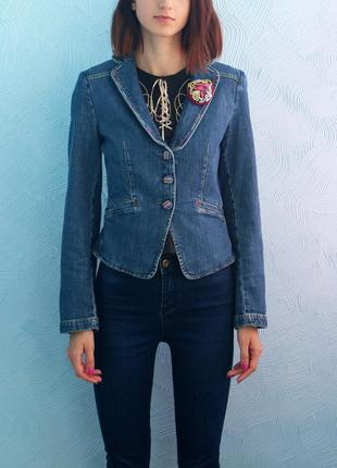 Джинсовый жакет пиджак джинсовка
