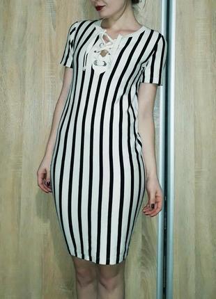 Трендовое платье ровного кроя в полоску на шнуровке zara