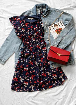 Легкое платье с летним принтом