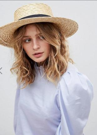 Соломенная шляпа канотье с широкими полями
