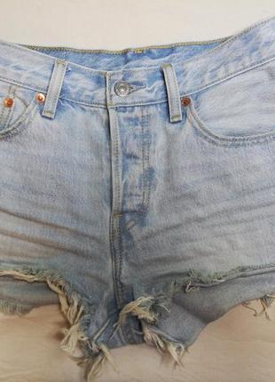 Оригинальные женские шорты levis