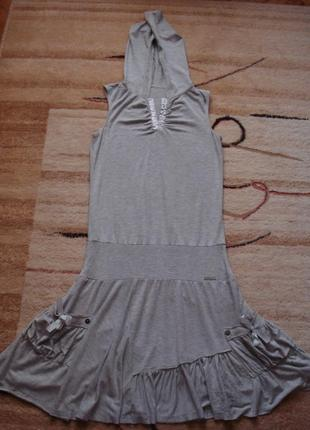 Очень красивое, необычное платье с капюшоном
