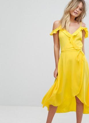 Невероятно красивое яркое платье разной длины с оборками, на запах, из вискозы