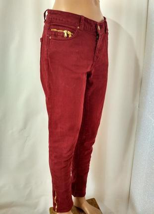 Летняя акция! шикарные джинсы цвета вишни  с молниями по боках от zara