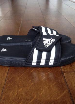 Тапочки  adidas общая длина 26-26.5 см.,