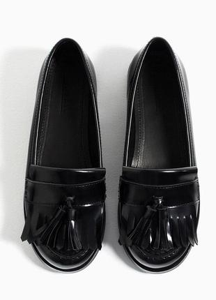 Школьные туфли, лоуферы zara 36 ,туфельки с бахрамой зара 23 см.