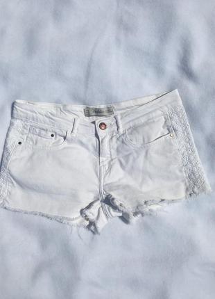 Білі джинсові шорти зара
