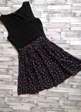 Красиве літнє платтячко в квіточки