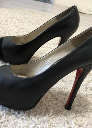Продам кожаные туфли antonio biaggi
