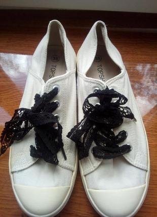 Кеды с кружевными шнурками